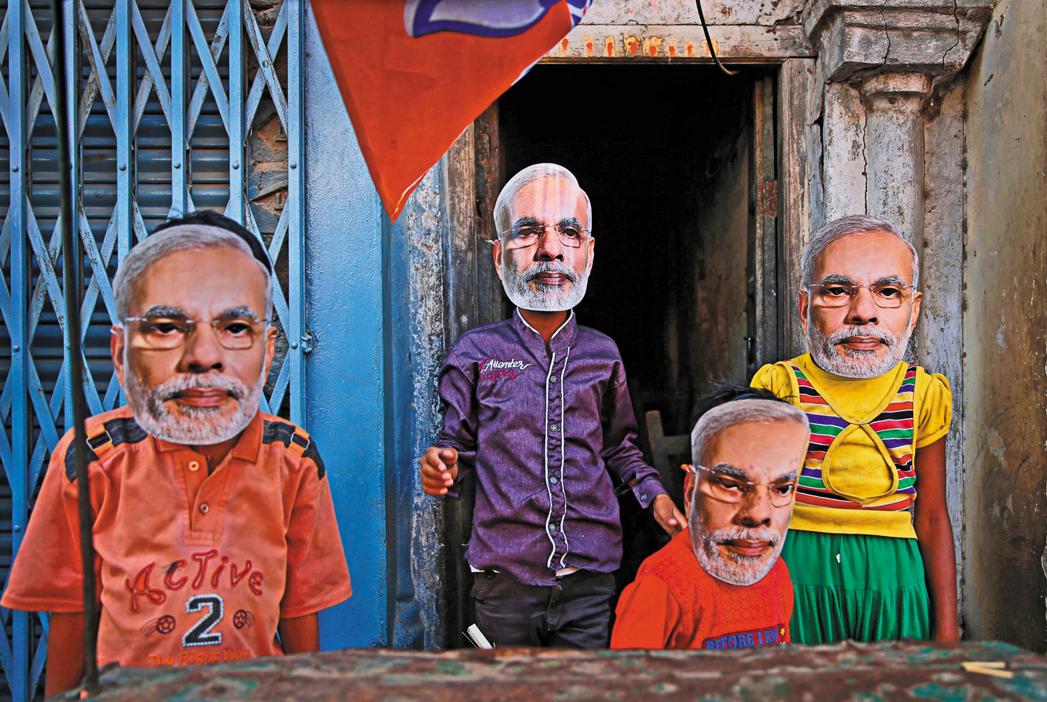 Children-in-Varanasi-India-wearing-masks-of-Narendra-Modi-April-24-2014