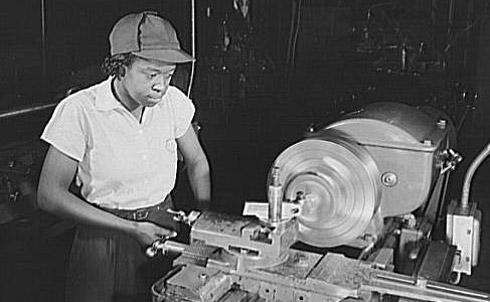 A worker in the Washington Navy Yard, 1943