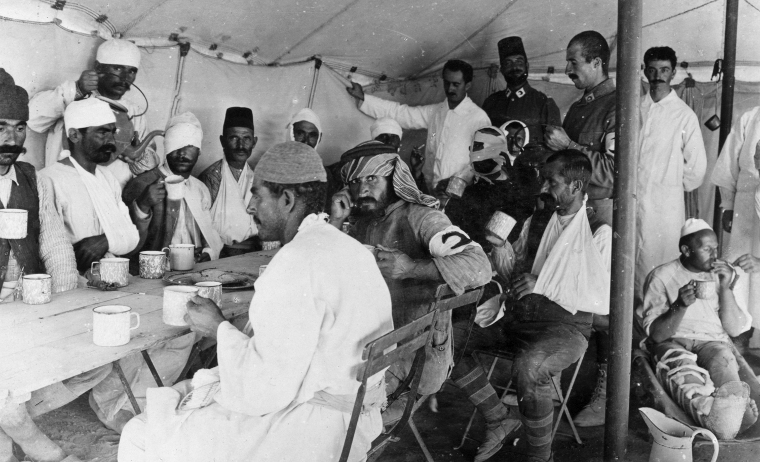 A-dining-tent-at-a-Red-Crescent-hospital-Hafir-1916