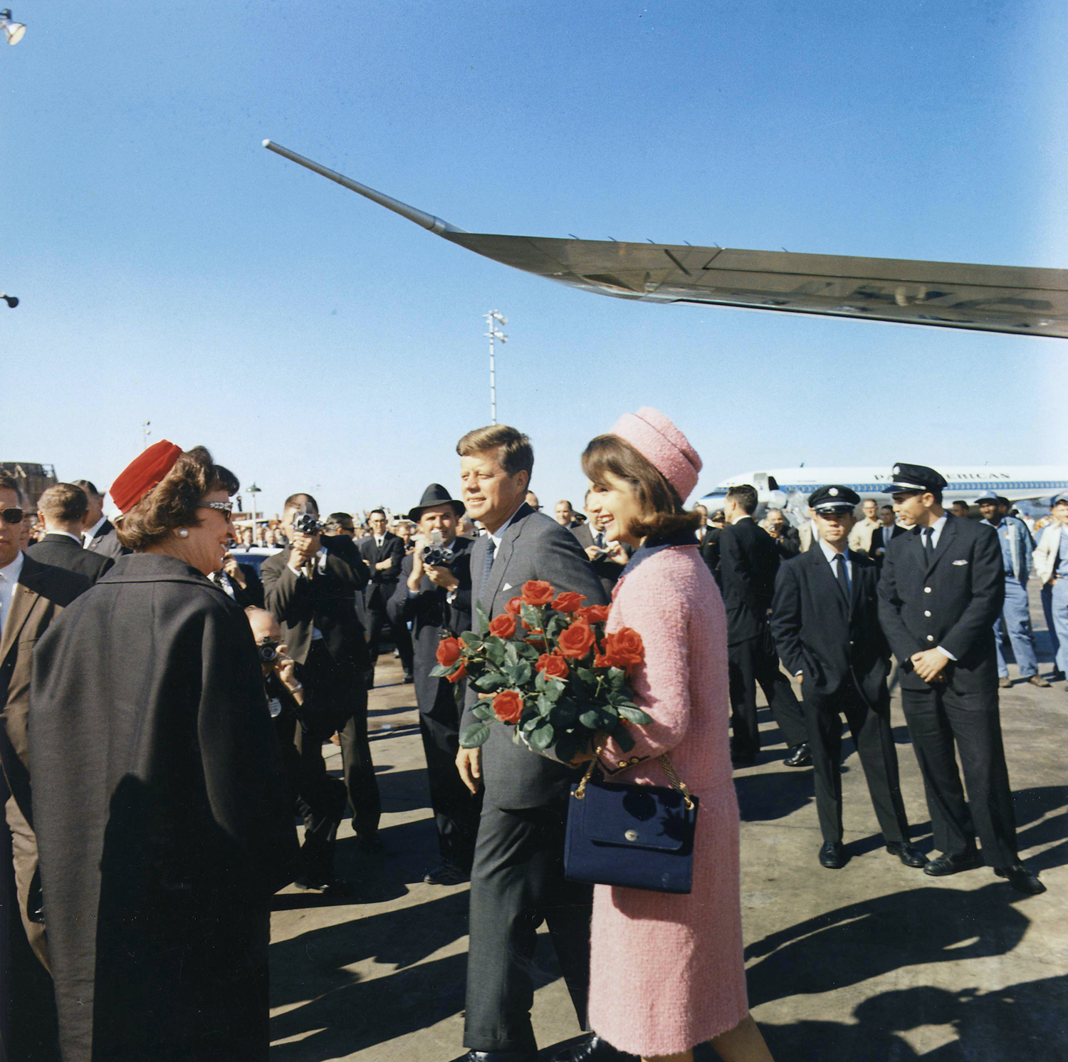 Kennedys-arrive-at-Dallas-November-22-1963