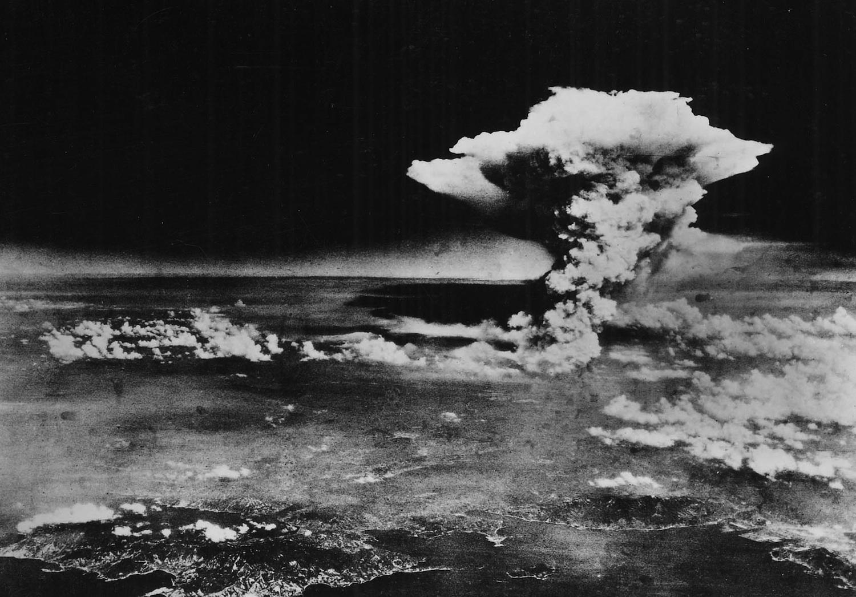 Atomic-cloud-over-Hiroshima