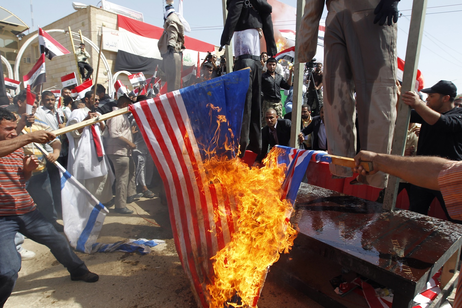 Iraq-flag-burning-protest