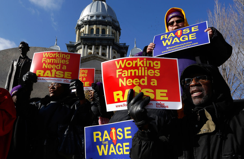 Minimum-Wage-Raise-Supporters