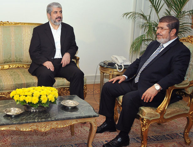 Mohammed Morsi meets with Khaled Mashaal