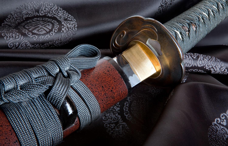 Японский актер умер после ранения самурайским мечом.