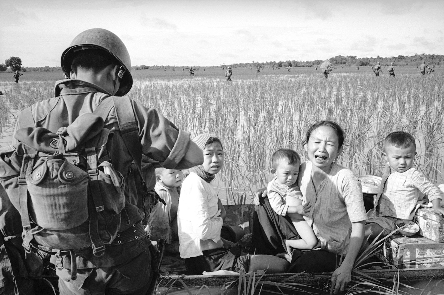 war photography essay A photo-essay is a set or series of photographs that are made to create series of emotions in the viewer a photo essay will often show pictures in deep emotional stages photo essays range from purely photographic works to photographs with captions or small comments to full text essays illustrated with photogr.