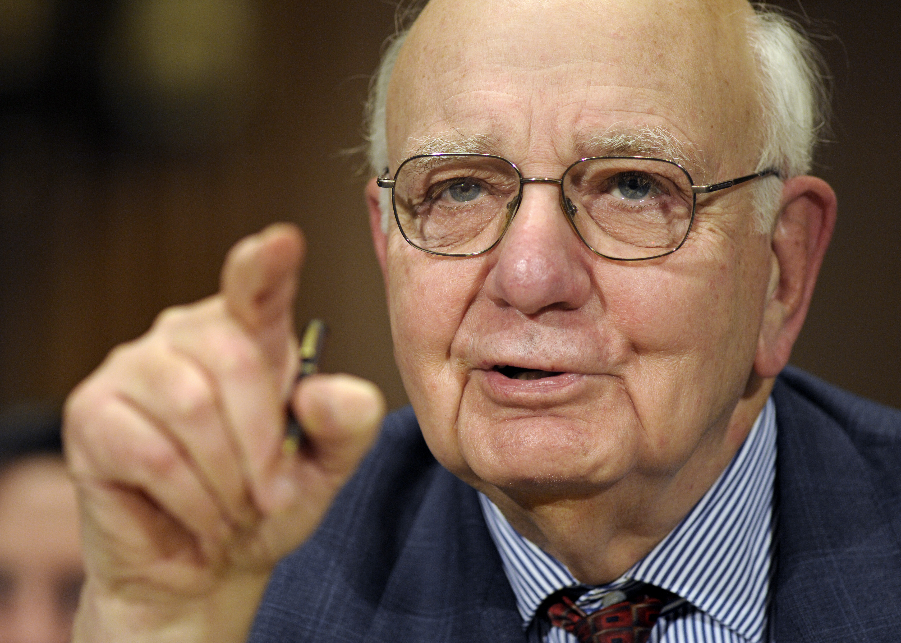 Paul-Volcker-AP-PhotoCliff-Owen