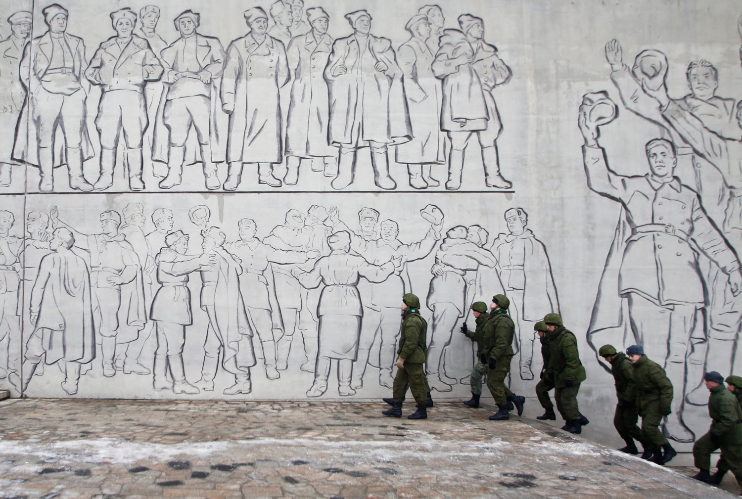 Soldiers-in-Volgograd