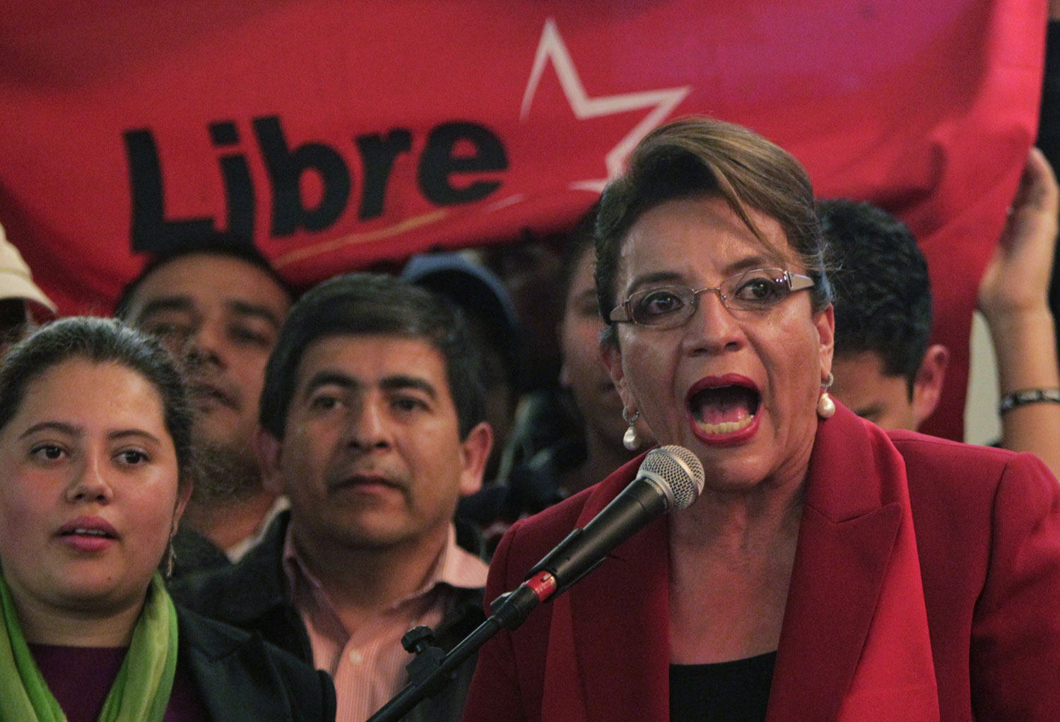 Honduran-presidential-candidate-Xiomara-Castro-of-the-Liberty-and-Refoundation-party-ReutersJorge-Cabrera