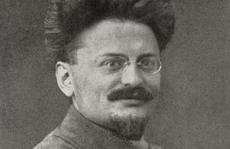 relationship between joseph stalin and leon trotsky