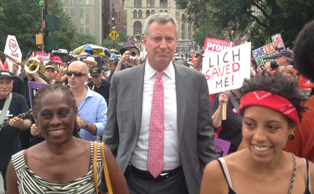 Bill-de-Blasio-at-a-rally-to-save-Long-Island-College-Hospital.-Creative-Commons