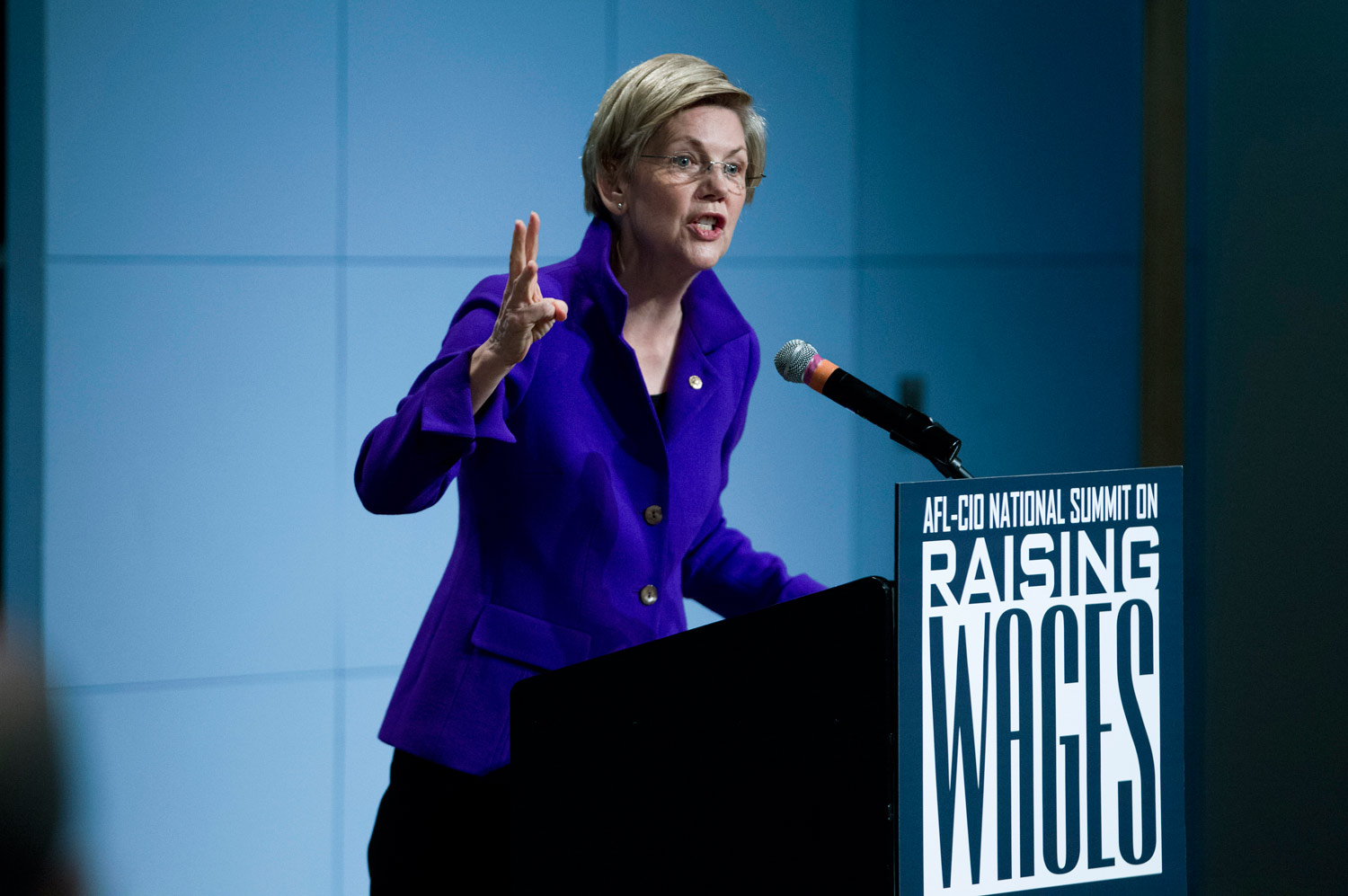 Elizabeth-Warren-Just-Gave-a-Really-Important—and-Revealing—Speech