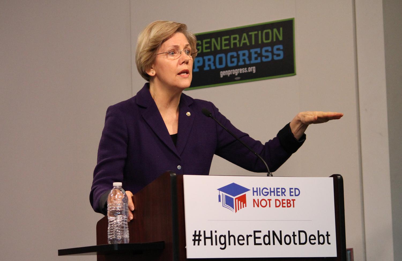 Elizabeth-Warren-speaks-about-student-loan-debt