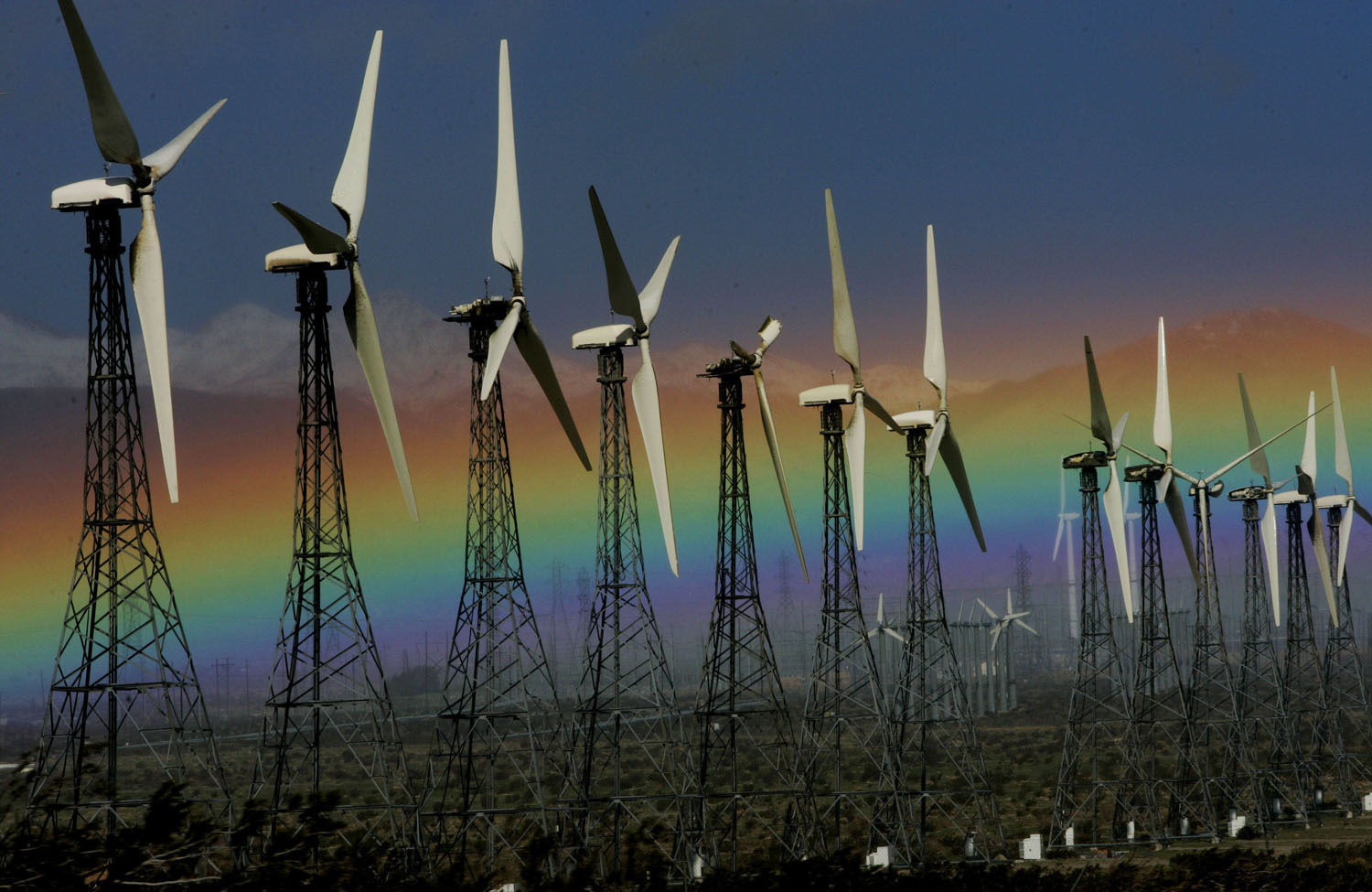 Wind-turbines-near-Palm-Springs-California-AP-PhotoSandy-Huffaker