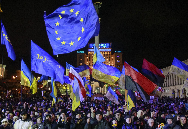Members-of-the-nationalist-Ukrainian-Insurgent-Army-rallied-in-Kiev-in-December-2013