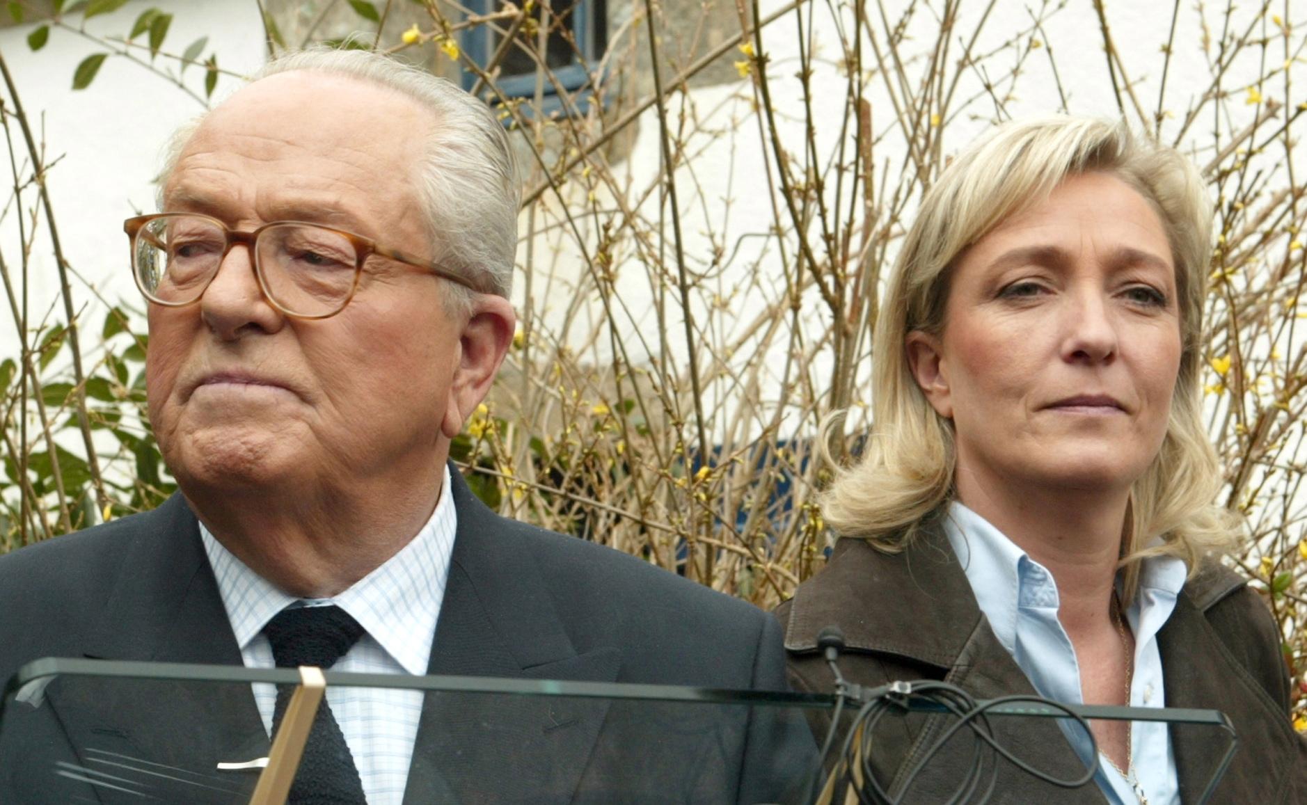 Jean-Marie-Le-Pen-and-his-daughter-Marine-Le-Pen