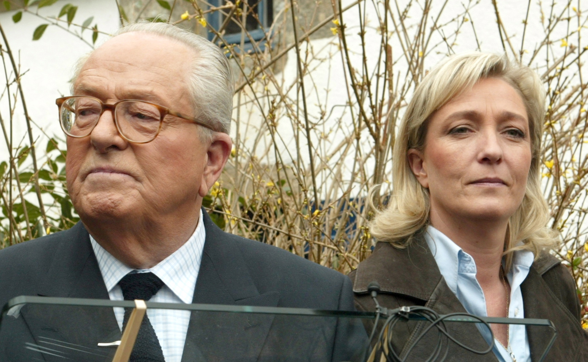 Jean-Marie-Le-Pen-and-his-daughter-Marine-Le-Pen