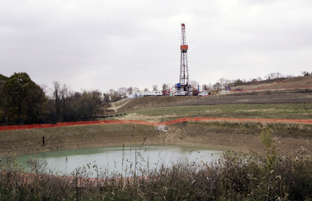 A-drilling-rig-in-Houston-Pennsylvania