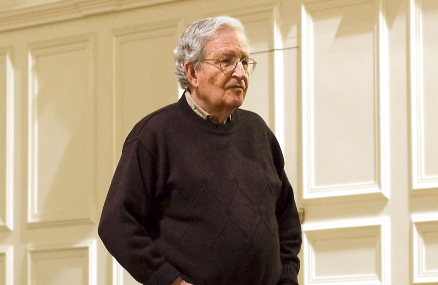 noam chomsky research paper Noam chomsky, the dead-serious the idea of a puppet play riffing on his criticisms of artifi c i al intelligence research and the social impact of.