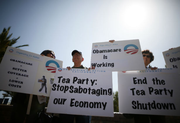 pemSupporters-of-the-Affordable-Care-Act-in-Santa-Monica-California-October-10-2013.-ReutersLucy-Nicholsonemp