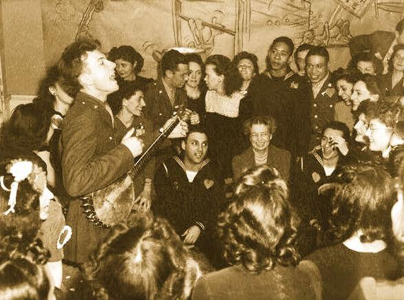 Pete-Seeger-1944