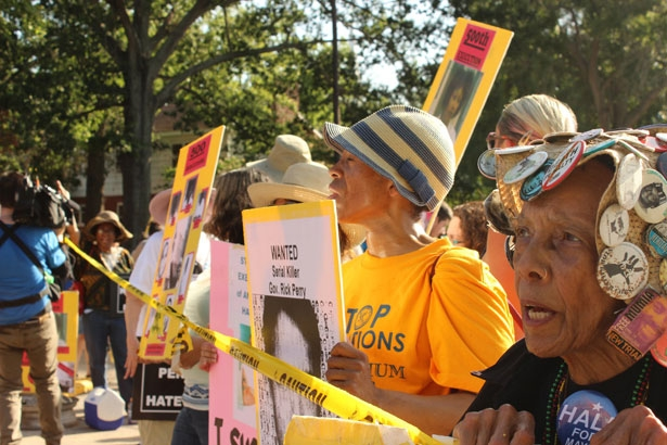 A-demonstration-against-the-death-penalty-in-Texas