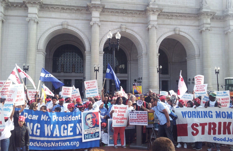 Minimum-wage-rally