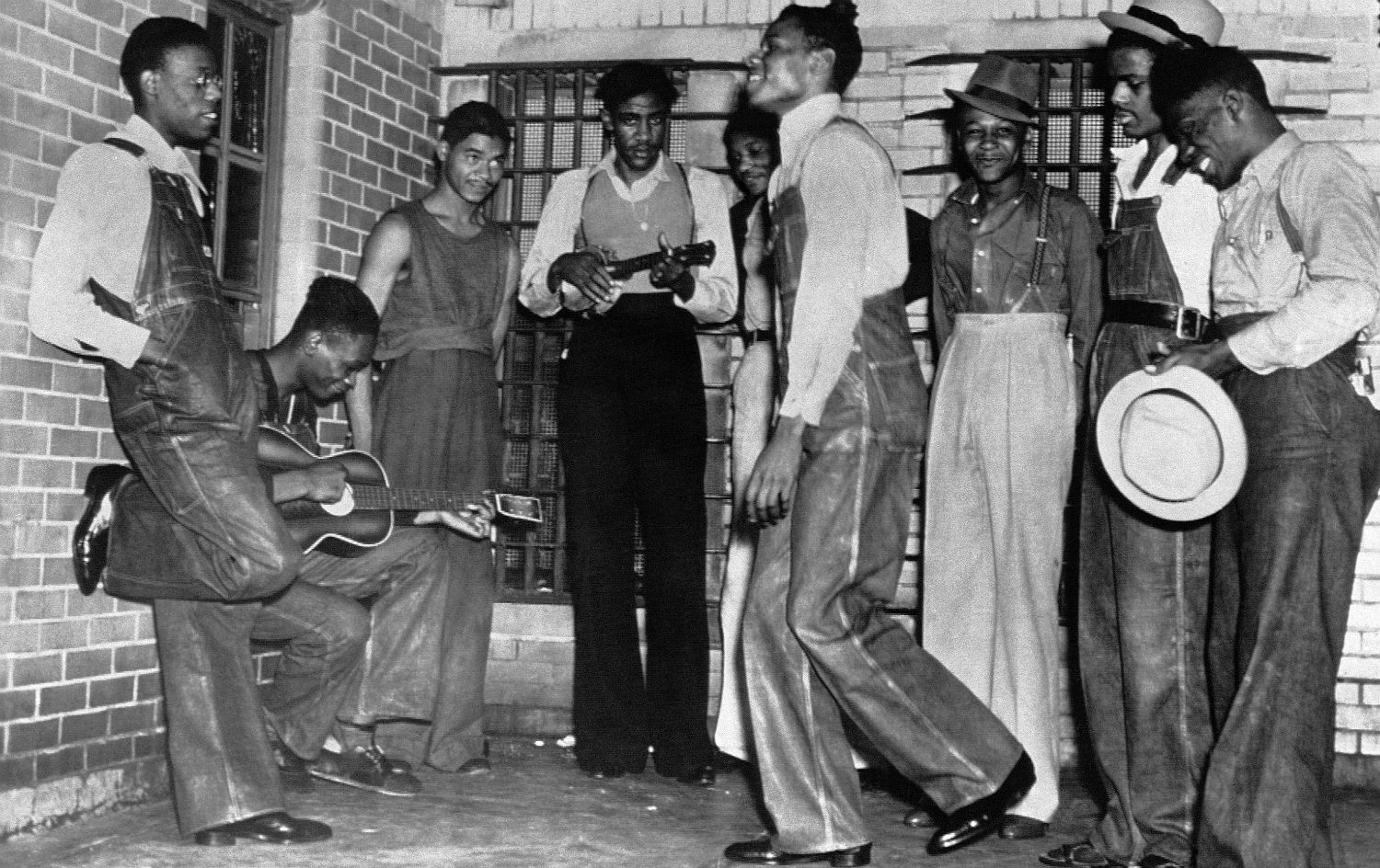 The-Scottsboro-boys-dancing-and-singing-in-an-Alabama-prison-in-1937.-AP-Photo