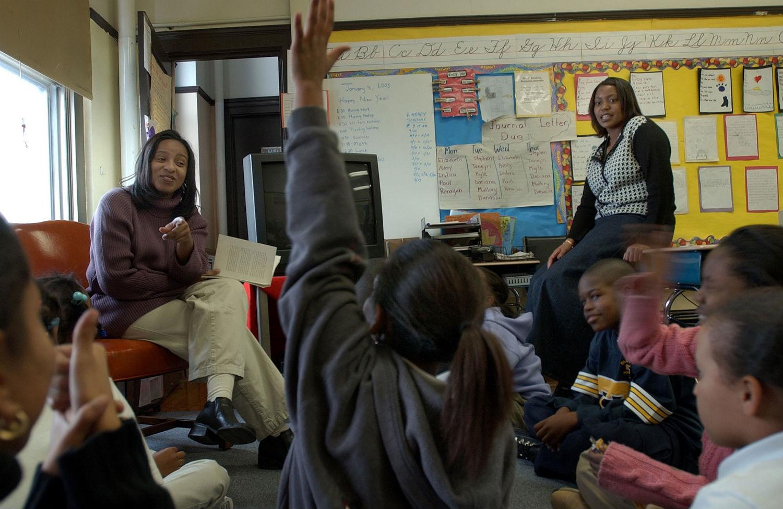 New-York-City-teachers-decide-whether-they-will-accept-de-Blasios-proposed-teacher-contract-AP-PhotoChitose-Suzuki