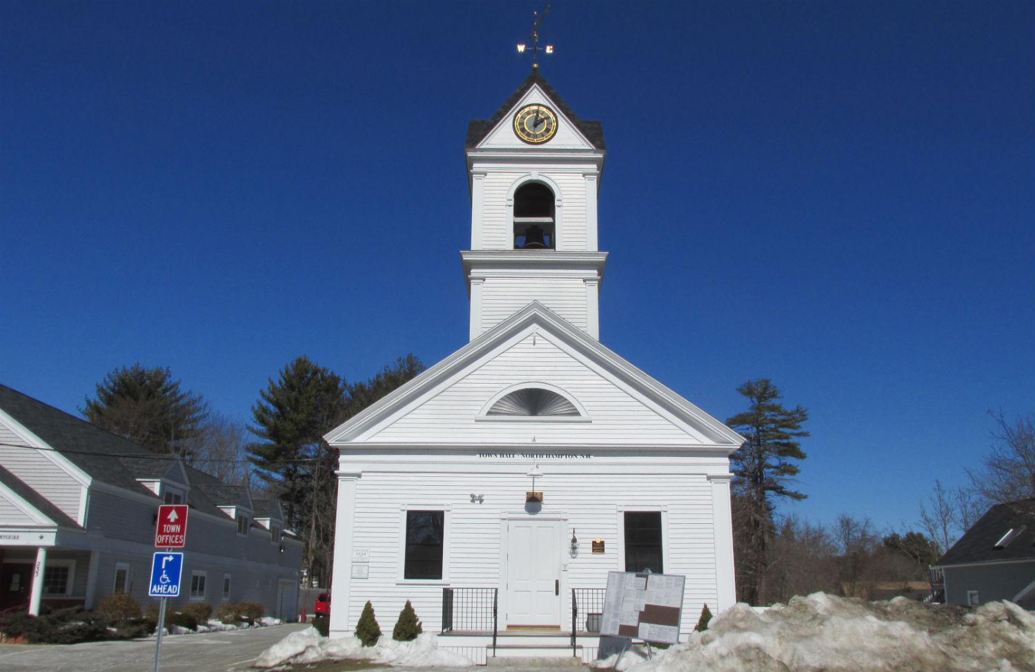 New-Hampshire-Town-Hall