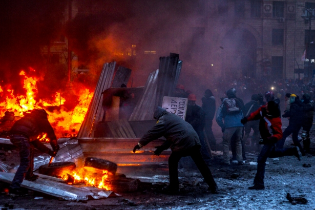 Protesters-in-Ukraine