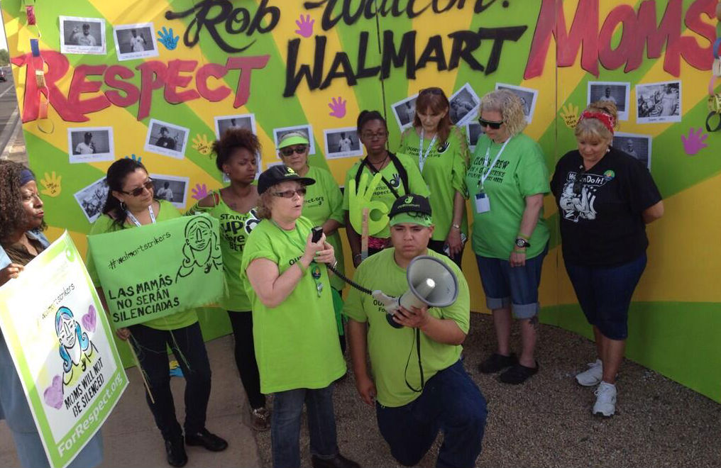 Mothers-employed-by-Walmart