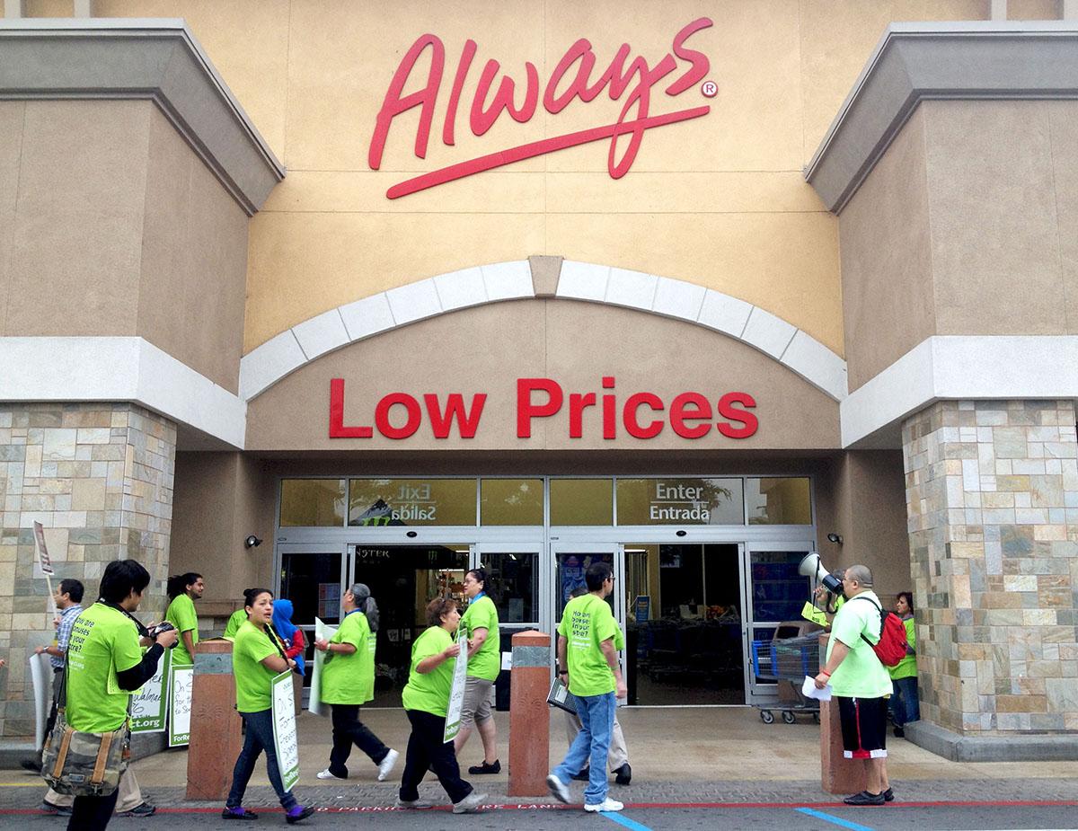 Walmart-workers-on-strike-in-Pico-Rivera-California