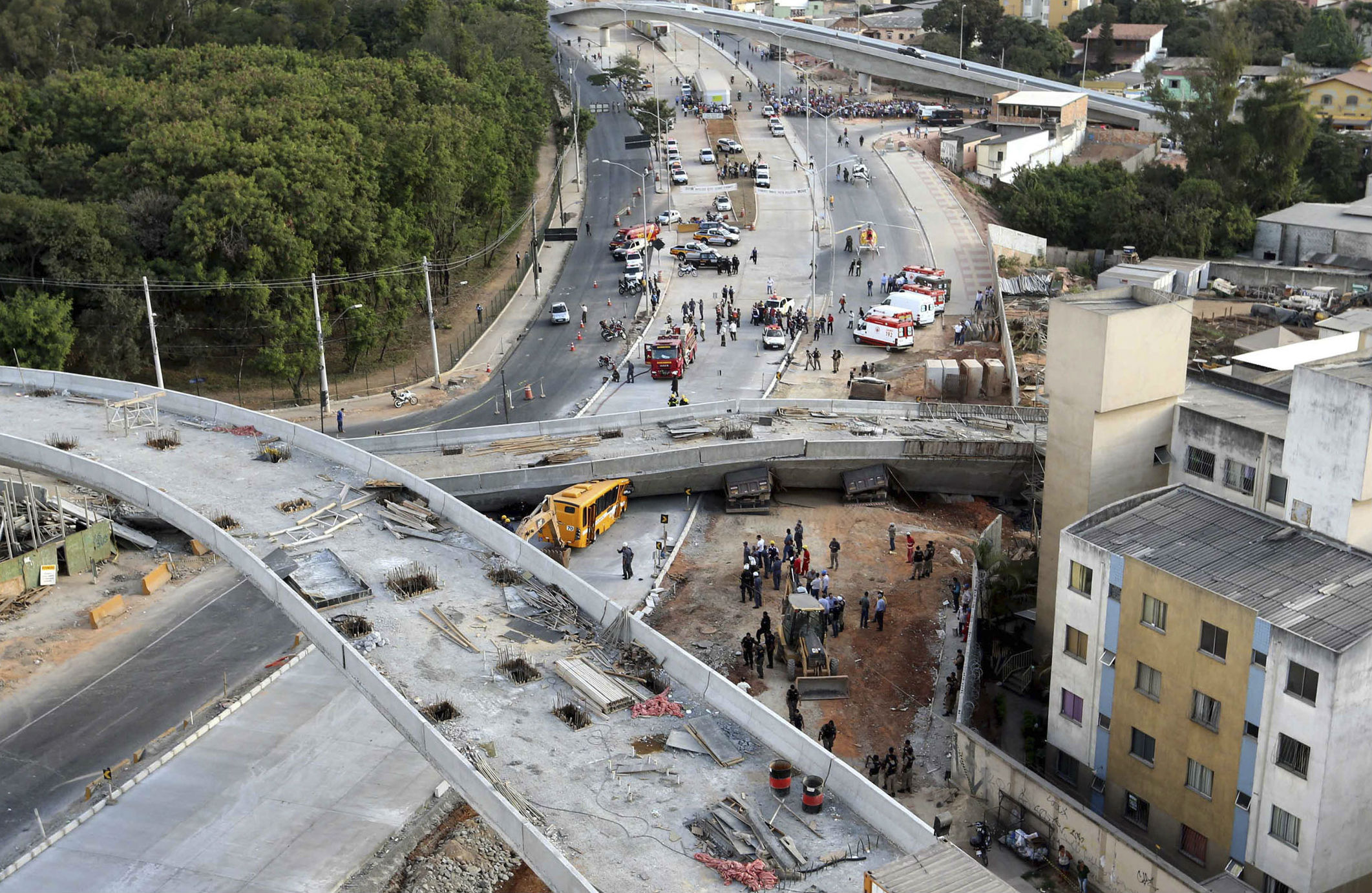 Brazil-overpass-collapse