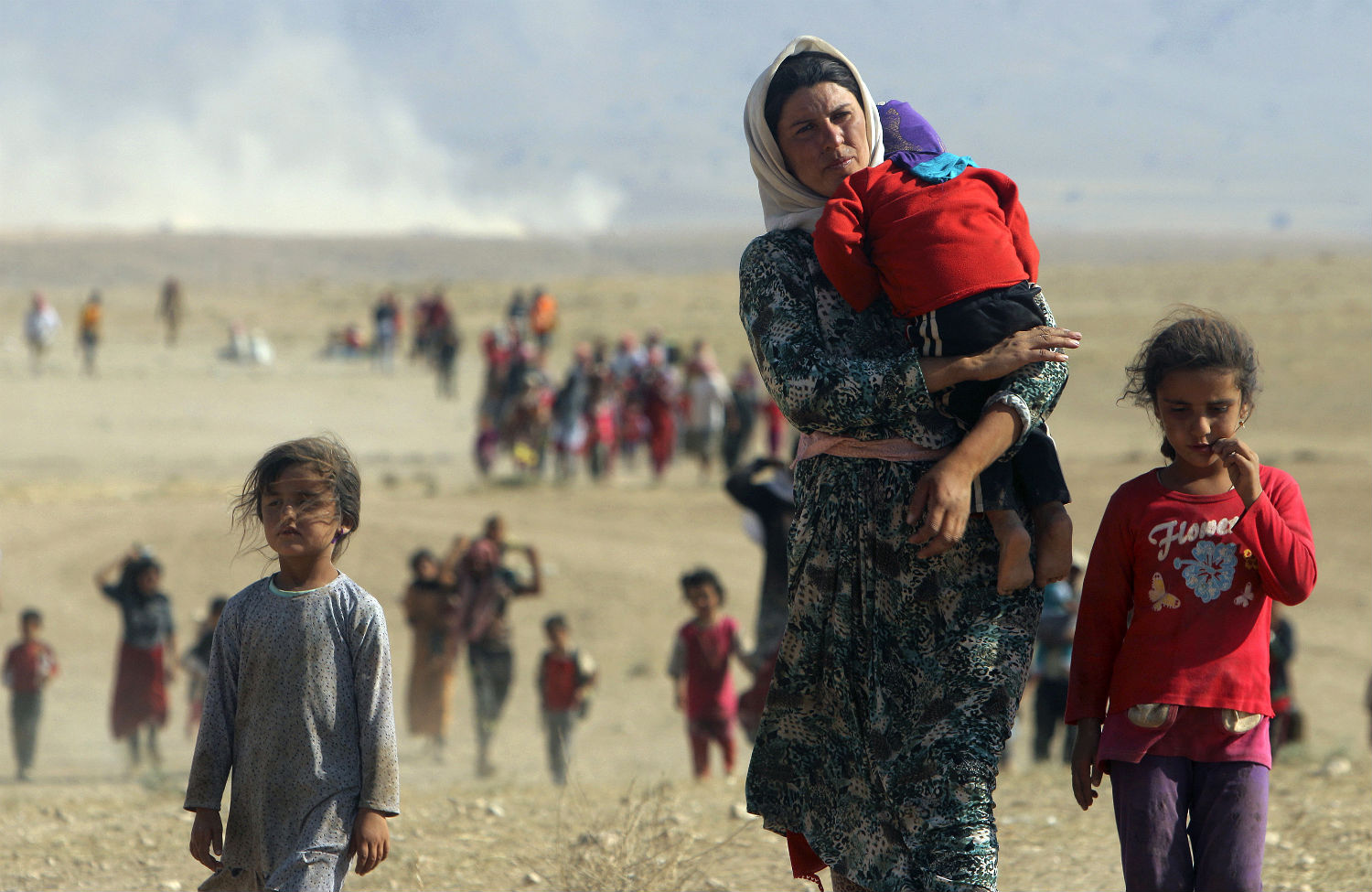 Yazidi-Refugees-flee-Iraq-towards-Syria