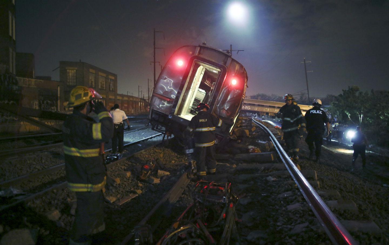 Amtrak-crash-AP-Photo-Joseph-Kaczmarek