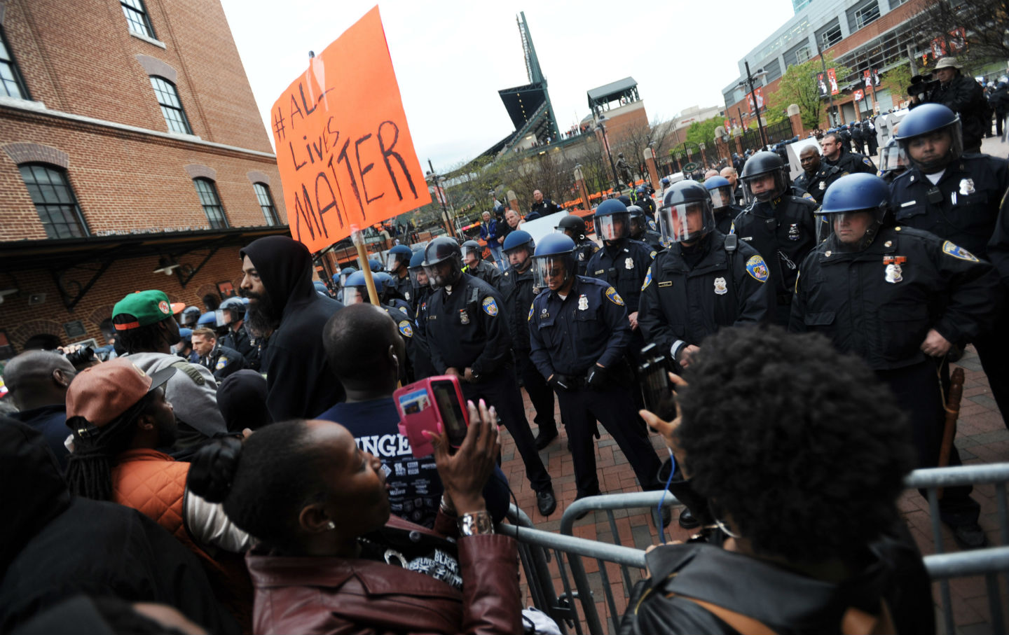 Freddie-Gray-protests-at-Camden-Yards