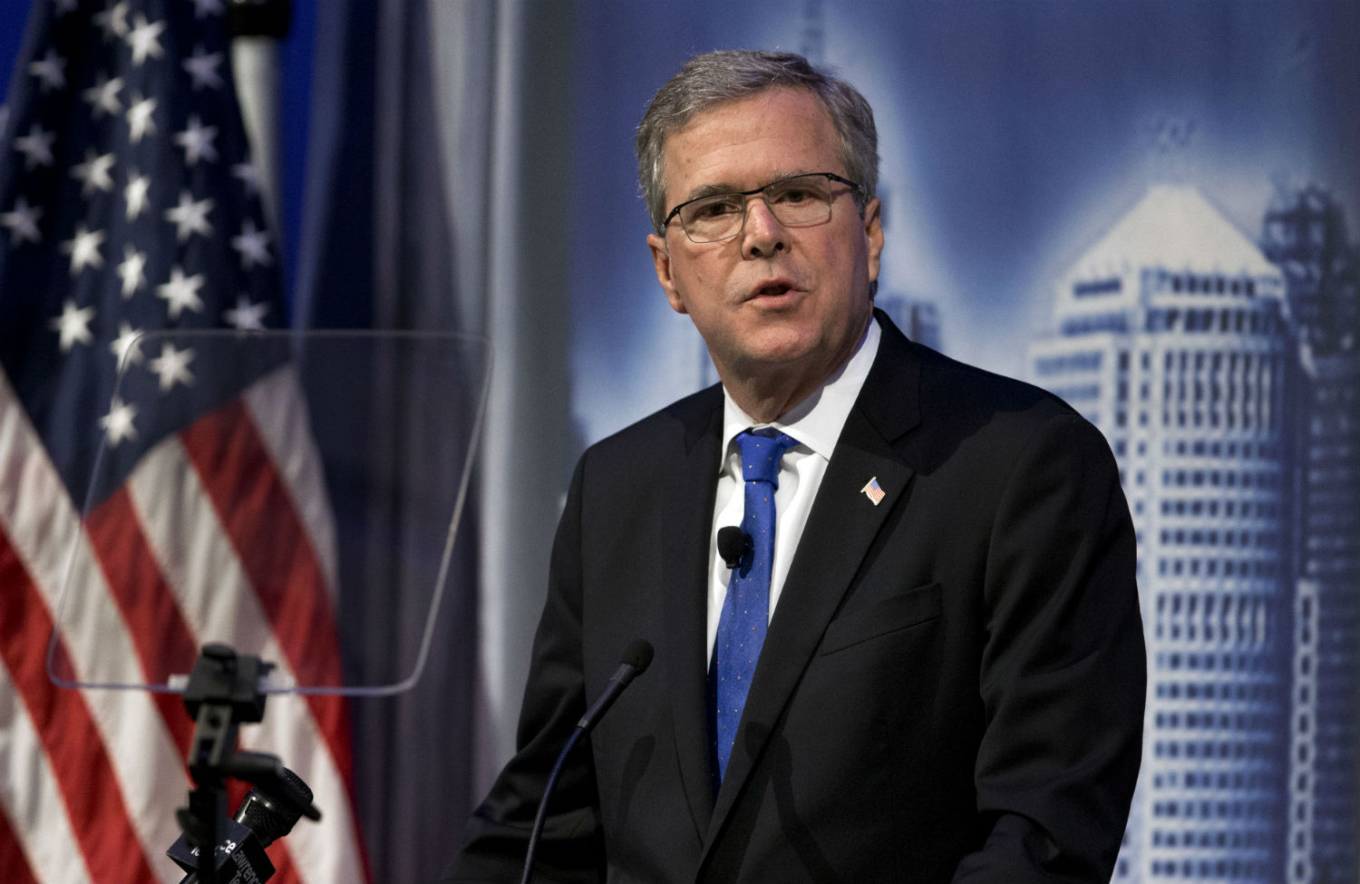 Jeb-Bush-speaks-at-Economic-Club-in-Detroit