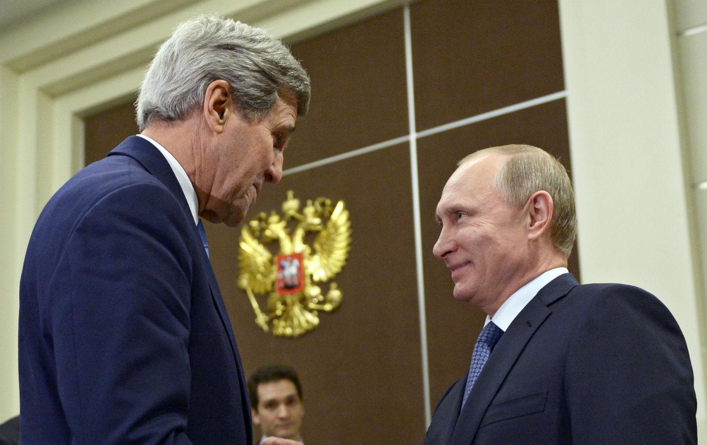 John-Kerry-and-Vladimir-Putin
