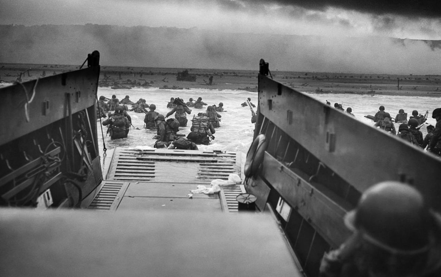 the largest invasion in the history of war In the history of ground warfare  not only was the allied invasion the largest ever attempted during world war ii  the most ambitious land battle of world war ii.