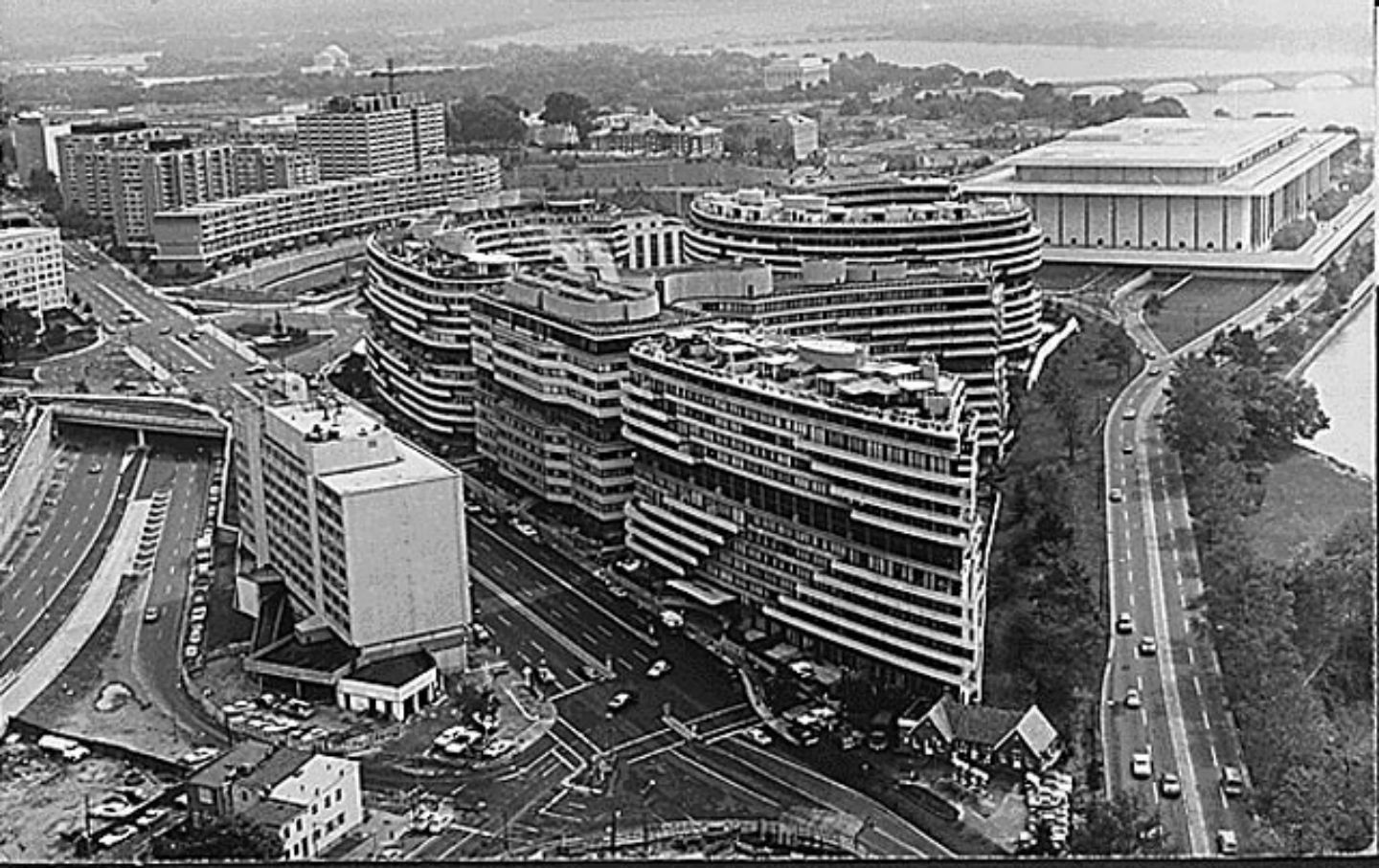 June 17 1972 The Watergate Scandal Begins As Nixon Campaign