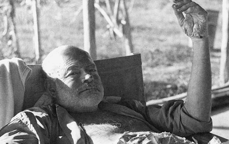 Ernest_Hemingway_cc_img