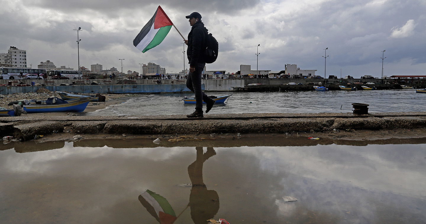 the attacks in gaza The idf on saturday attacked two terrorist squads that launched incendiary balloons from the southern gaza strip into israeli territory both attacks used drones that fired on the terrorists, one .