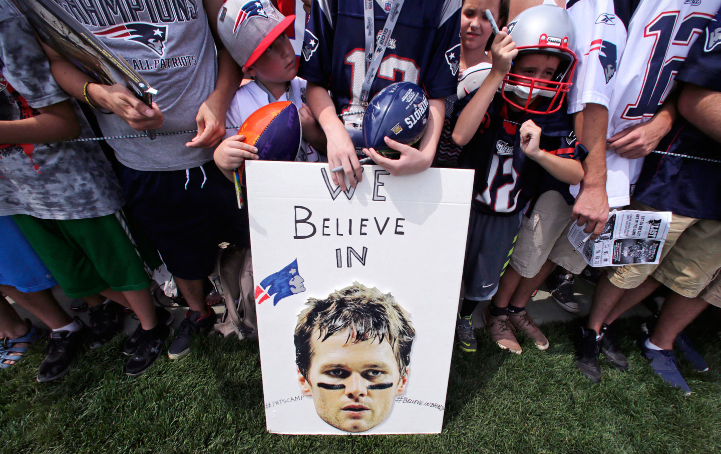 Tom_Brady_Support_ap_img