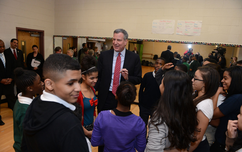 Mayor Bill de Blasio visits a school