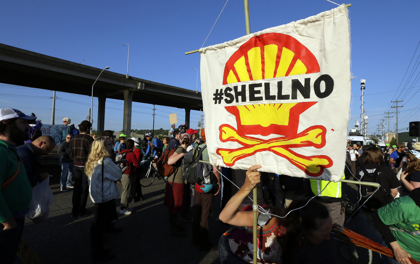 Protesters oppose Artic oil drilling in Seattle