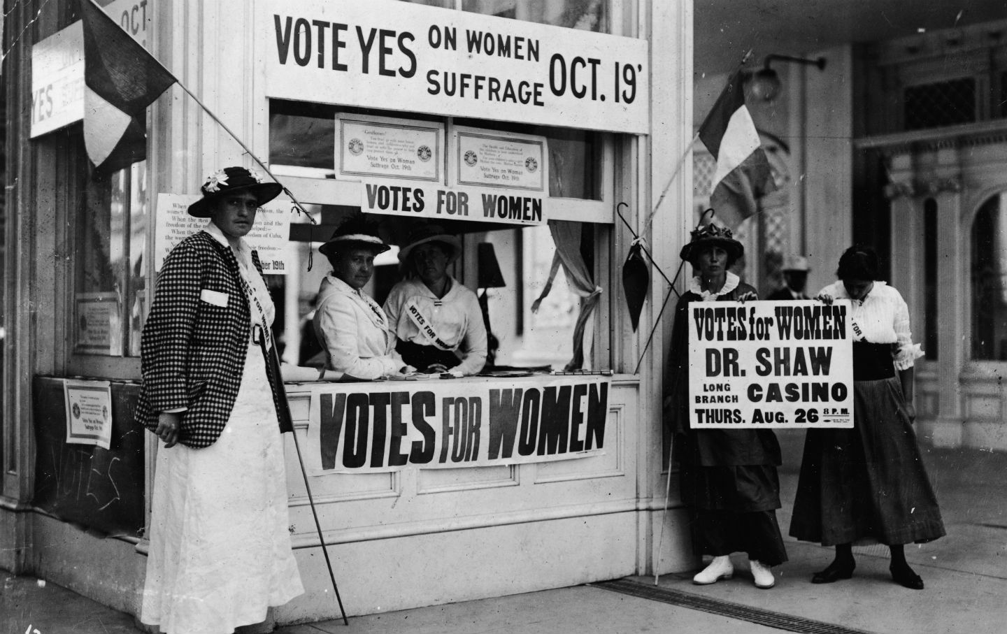 women039s right vote Dying for the right to vote: remembering the selma martyrs, from jimmie lee jackson to viola liuzzo this is democracy now when the voting rights.