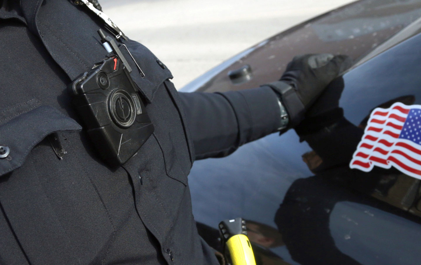 A Duluth, Minnesota police officer wearing a body camera.