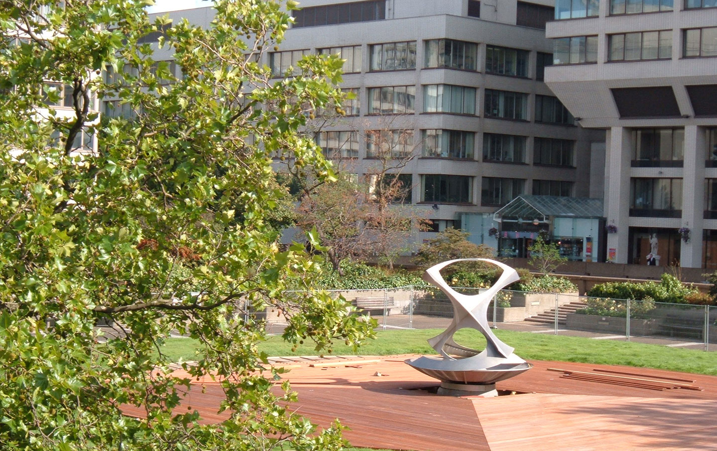 Sculpture/fountain by Naum Gabo at Guy's and St Thomas's Hospital, London, UK