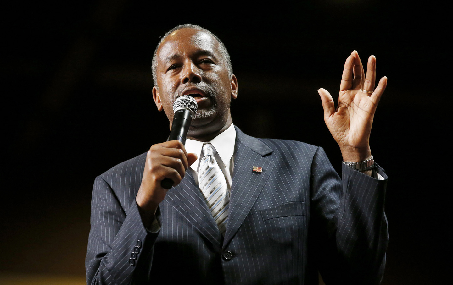Republican presidential candidate Dr. Ben Carson delivers a speech at ...